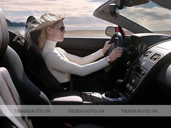 độ ghế chỉnh điện giúp thoải mái lái xe
