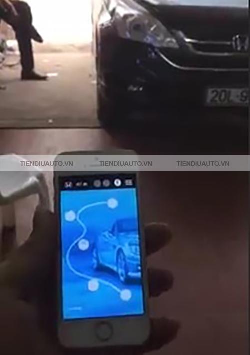 đóng mở cửa ô tô bằng smartphone